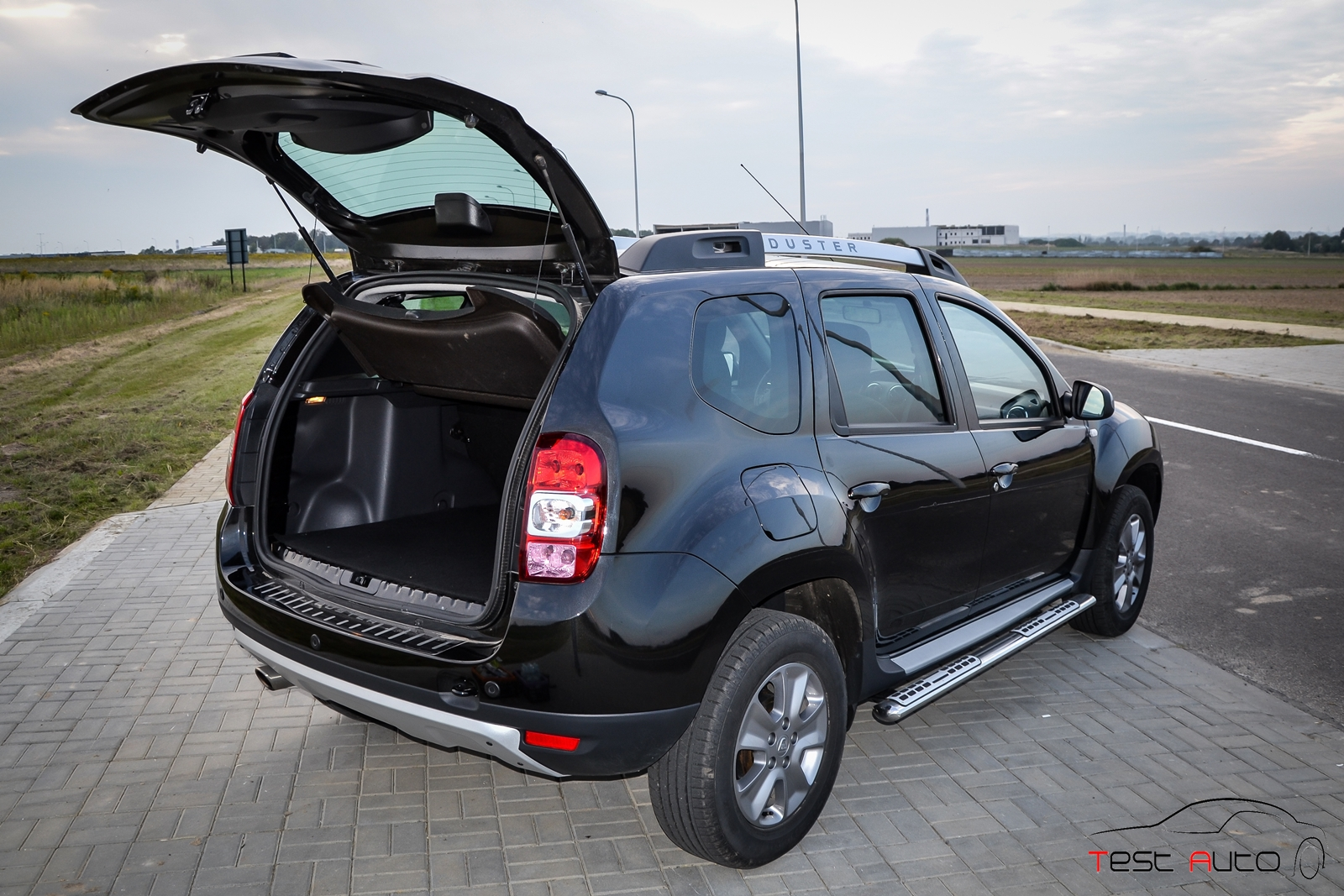 test dacia duster. Black Bedroom Furniture Sets. Home Design Ideas